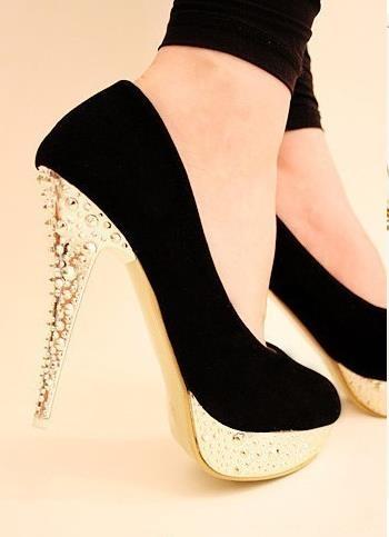 先教訓好你的新鞋,叫它乖乖不咬腳